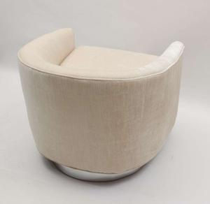 Milo Baughman 1970's Swivel Chairs Preview Image 4