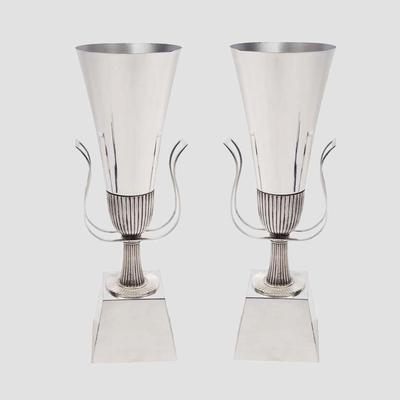 Tommi Parzinger 1950's Silver Urn Lamps Preview