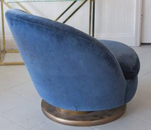 Milo Baughman Swivel Chair Preview Image 2